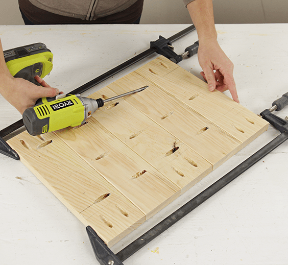 assemble the center of the tabletop